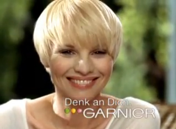 Susann Atwell Garnier Werbung